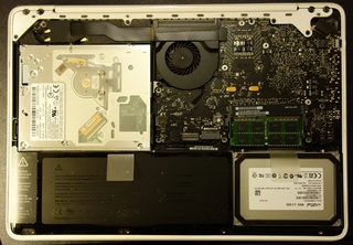 macbook_mc516_ssd_change_09.jpg
